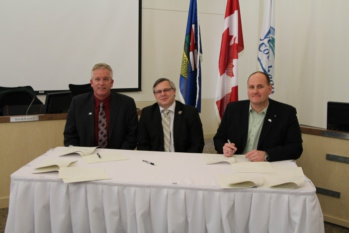 Left to right: Mayor Ian Duncan (Hinton), Mayor Gerald Soroka (Yellowhead County), Mayor Greg Pasychny (Edson)